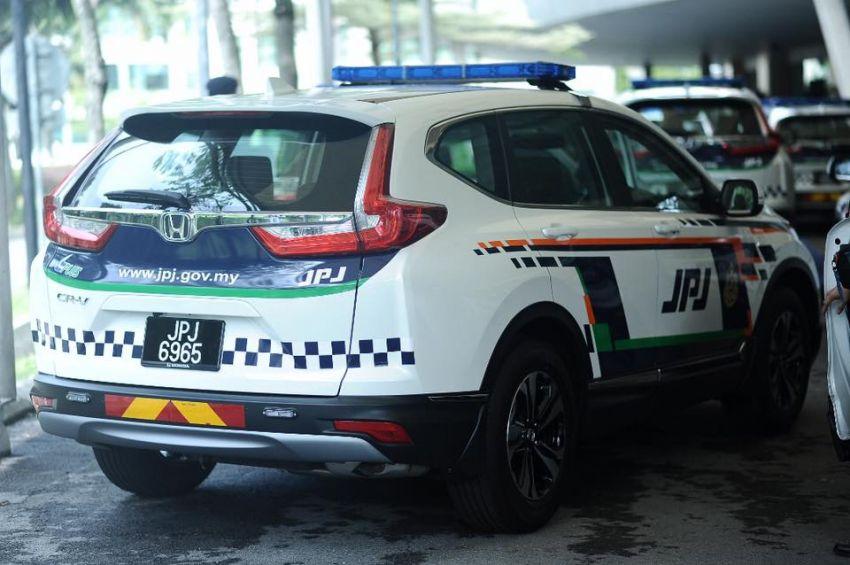 PLUS hands over 10 units of Honda CR-V 2.0L to JPJ Image #960482