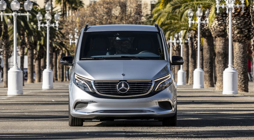 Mercedes-Benz Concept EQV – first public drive for electric MPV, production version debuts in Frankfurt Image #959346