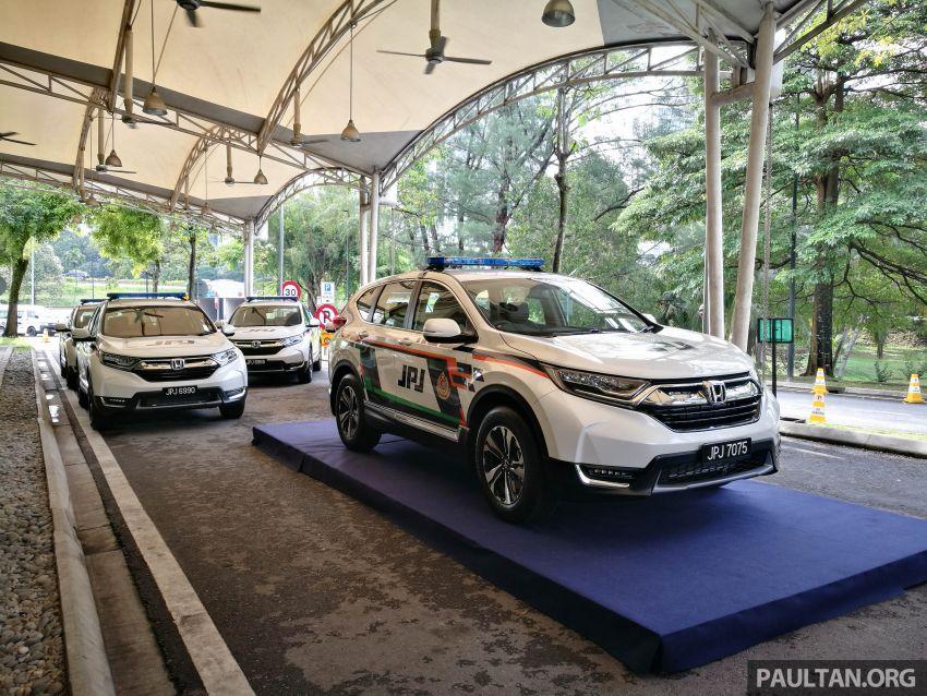 PLUS hands over 10 units of Honda CR-V 2.0L to JPJ Image #960447