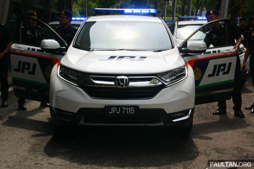 PLUS hands over 10 units of Honda CR-V 2.0L to JPJ Image #960457