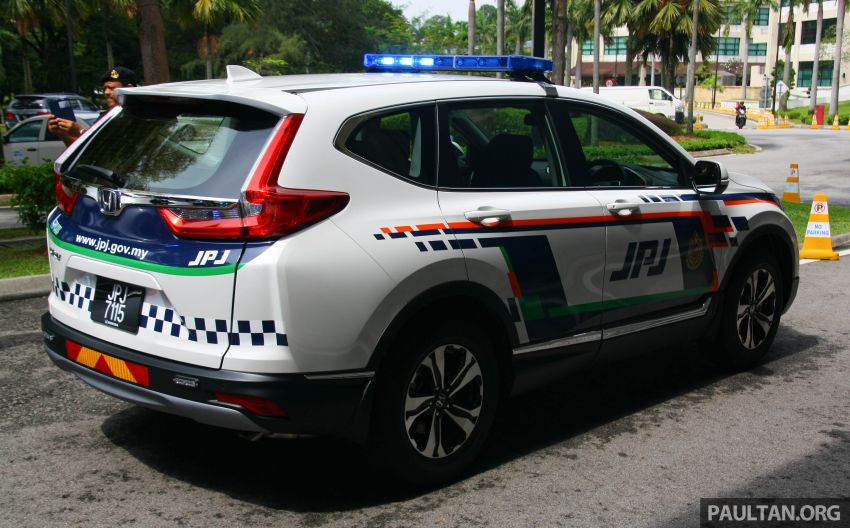 PLUS hands over 10 units of Honda CR-V 2.0L to JPJ Image #960460