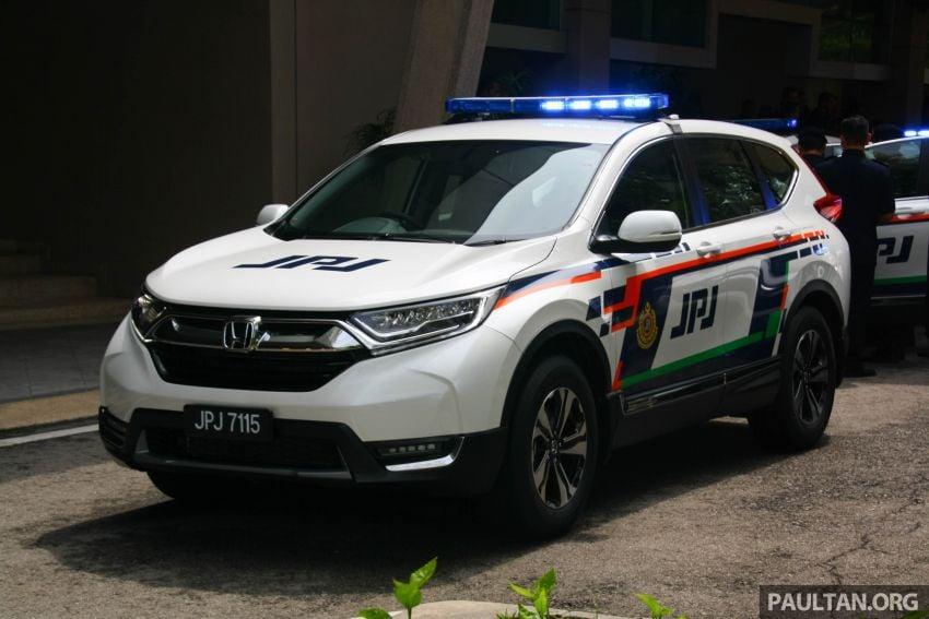 PLUS hands over 10 units of Honda CR-V 2.0L to JPJ Image #960464