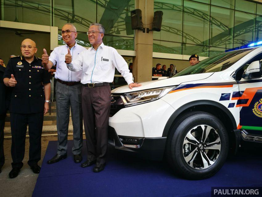 PLUS hands over 10 units of Honda CR-V 2.0L to JPJ Image #960452