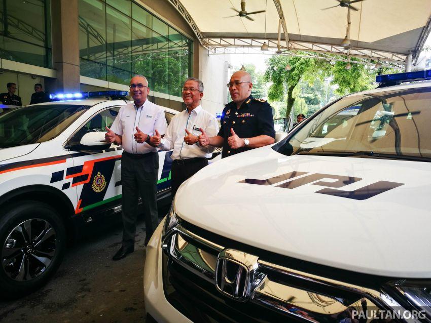PLUS hands over 10 units of Honda CR-V 2.0L to JPJ Image #960453