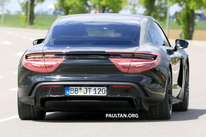 SPYSHOTS: Porsche Taycan drops most of its camo Image #959151