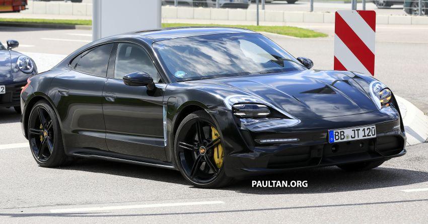 SPYSHOTS: Porsche Taycan drops most of its camo Image #959118