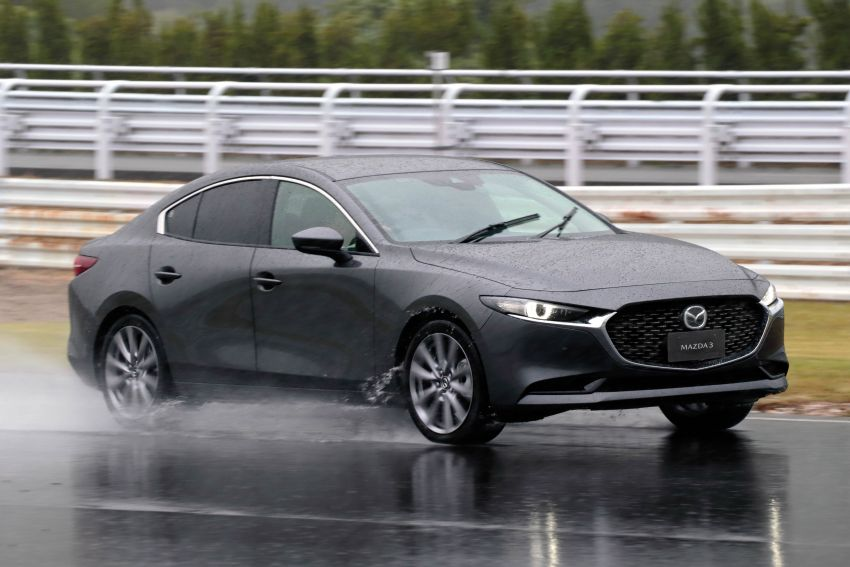 2019 Mazda 3 in detail – improved NVH; why a torsion beam and no touchscreen; unique sedan/hatch styling Image #974269
