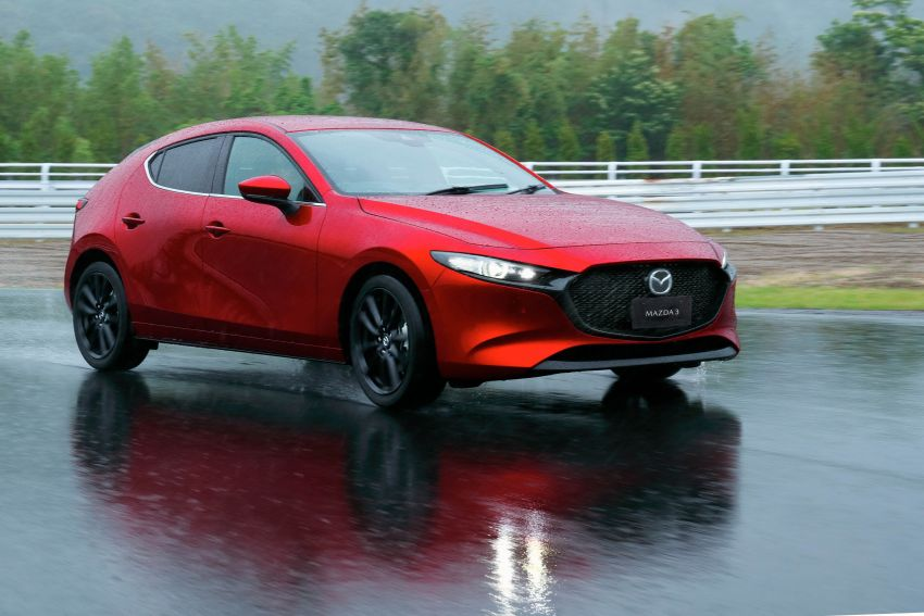 2019 Mazda 3 in detail – improved NVH; why a torsion beam and no touchscreen; unique sedan/hatch styling Image #974277