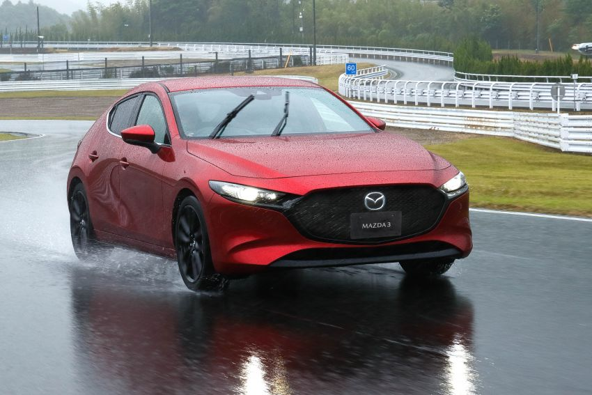 2019 Mazda 3 in detail – improved NVH; why a torsion beam and no touchscreen; unique sedan/hatch styling Image #974278