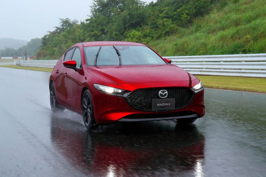 2019 Mazda 3 in detail – improved NVH; why a torsion beam and no touchscreen; unique sedan/hatch styling Image #974280
