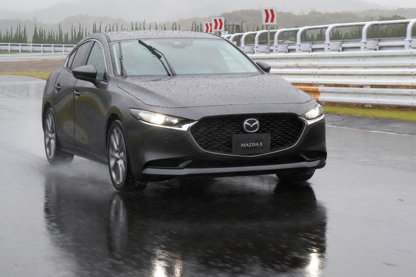 2019 Mazda 3 in detail – improved NVH; why a torsion beam and no touchscreen; unique sedan/hatch styling Image #974282