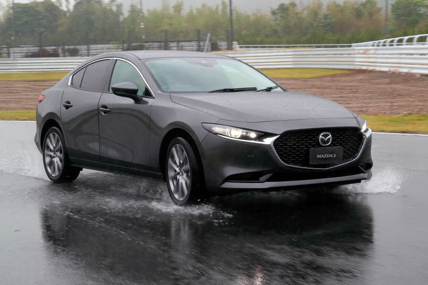 2019 Mazda 3 in detail – improved NVH; why a torsion beam and no touchscreen; unique sedan/hatch styling Image #974286