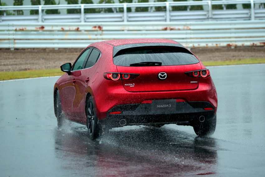 2019 Mazda 3 in detail – improved NVH; why a torsion beam and no touchscreen; unique sedan/hatch styling Image #974254