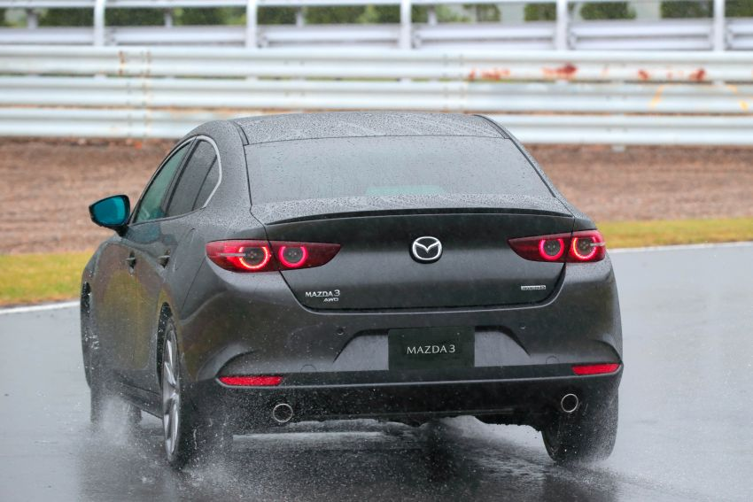 2019 Mazda 3 in detail – improved NVH; why a torsion beam and no touchscreen; unique sedan/hatch styling Image #974256