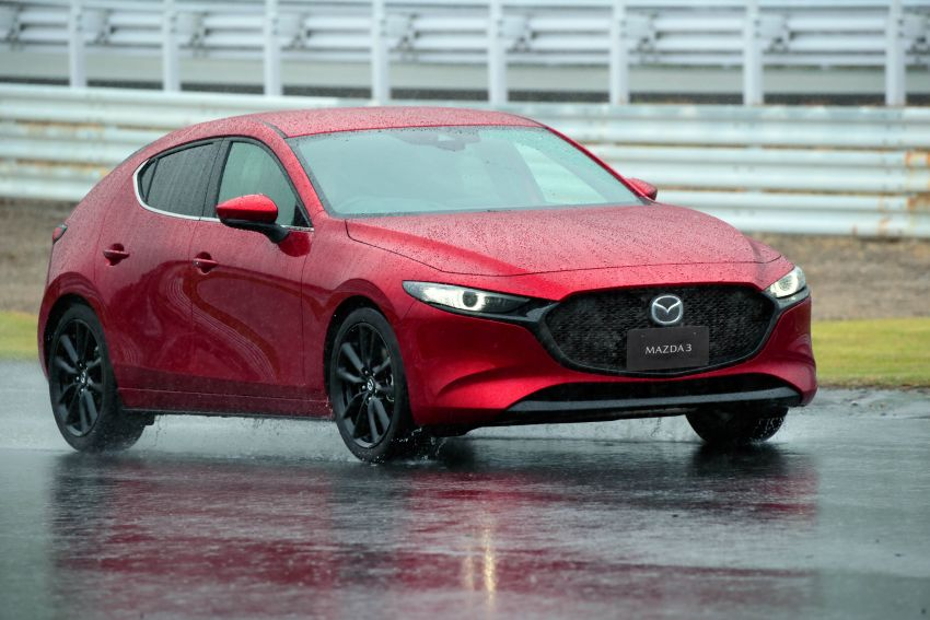 2019 Mazda 3 in detail – improved NVH; why a torsion beam and no touchscreen; unique sedan/hatch styling Image #974258
