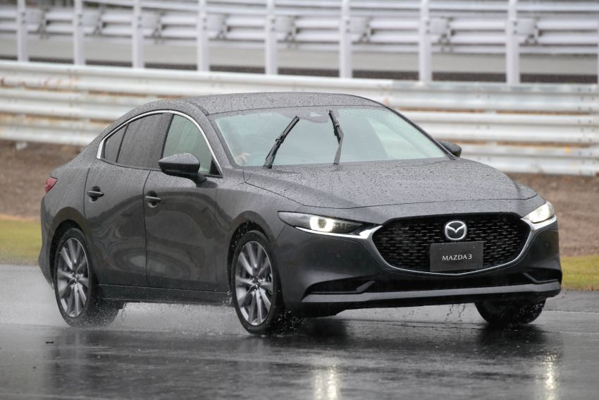 2019 Mazda 3 in detail – improved NVH; why a torsion beam and no touchscreen; unique sedan/hatch styling Image #974261