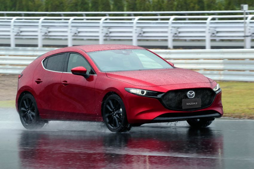 2019 Mazda 3 in detail – improved NVH; why a torsion beam and no touchscreen; unique sedan/hatch styling Image #974263