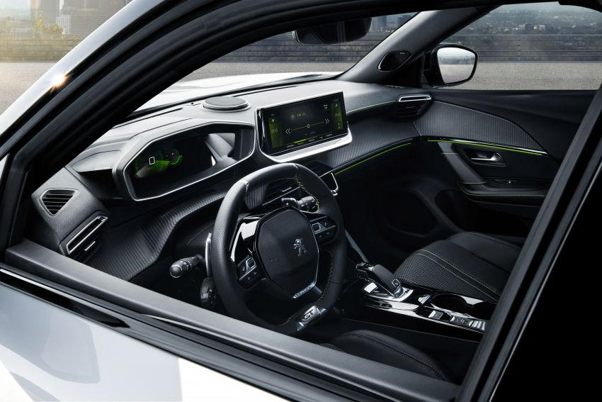 2019 Peugeot 2008 revealed – based on new 208 with lots of tech, electric e-2008 variant with 310 km range Image #974811