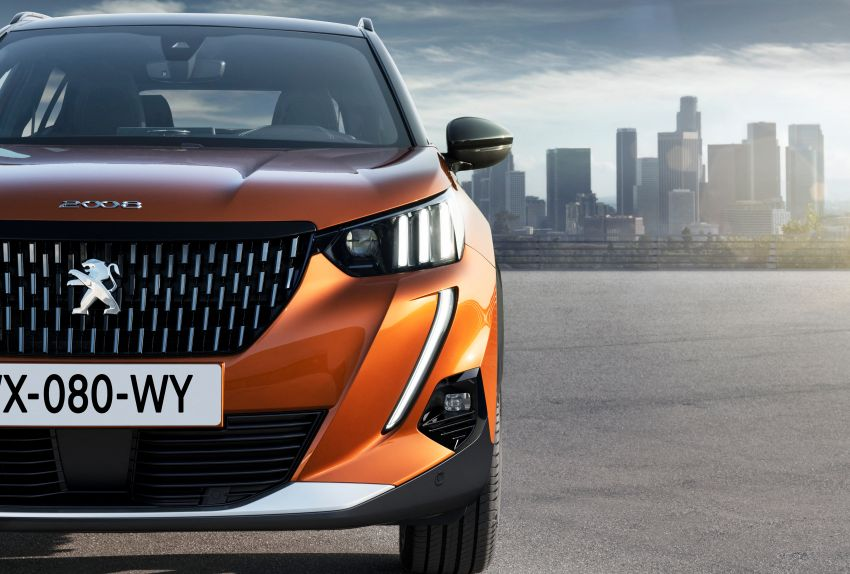 2019 Peugeot 2008 revealed – based on new 208 with lots of tech, electric e-2008 variant with 310 km range Image #975148