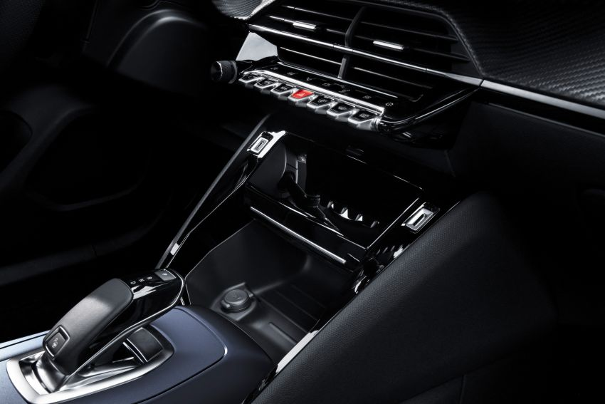 2019 Peugeot 2008 revealed – based on new 208 with lots of tech, electric e-2008 variant with 310 km range Image #974950