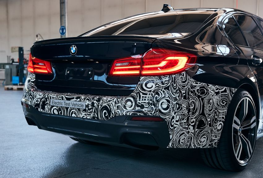 BMW Power BEV –  sub three-second, 710 hp all-electric experimental unit hidden under a 5 Series shell Image #976687