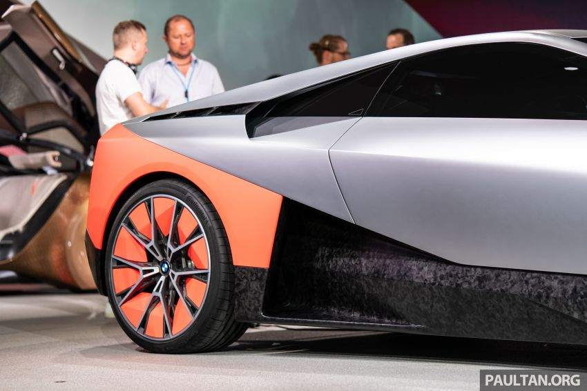 BMW Vision M Next previews M1 supercar's successor – a dedicated 600 hp, carbon-bodied plug-in hybrid Image #976739