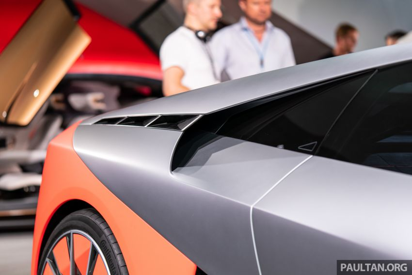 BMW Vision M Next previews M1 supercar's successor – a dedicated 600 hp, carbon-bodied plug-in hybrid Image #976740
