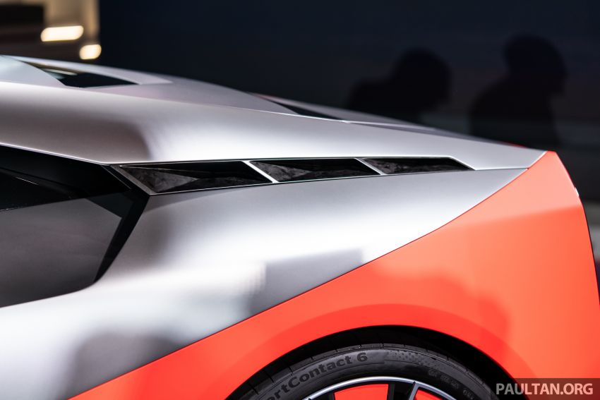 BMW Vision M Next previews M1 supercar's successor – a dedicated 600 hp, carbon-bodied plug-in hybrid Image #976729