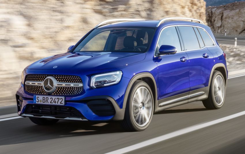Mercedes-Benz GLB shown: compact SUV with 7 seats Image #969932