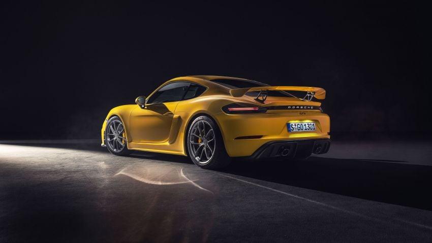 Porsche 718 Cayman GT4, Boxster Spyder unveiled Image #973340