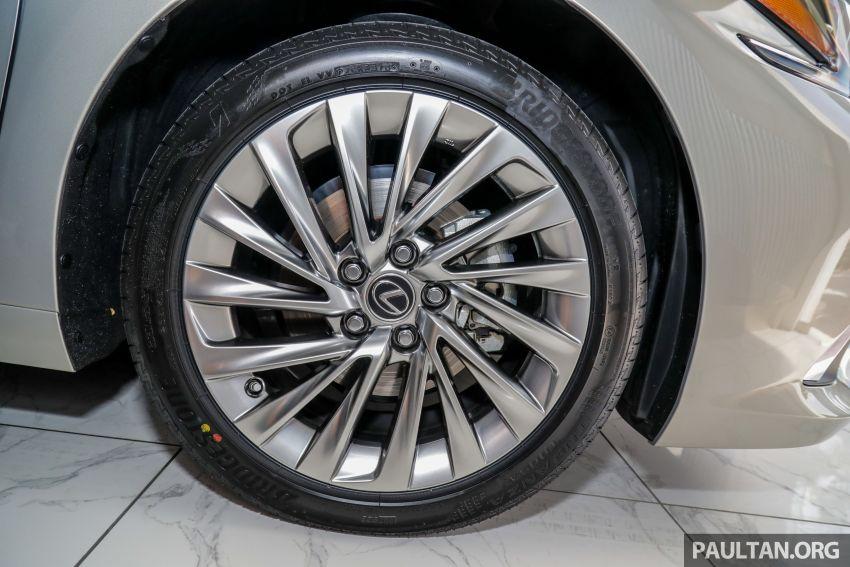 GALERI: Lexus ES 250 Luxury 2019 – dari RM332,888 Image #980336