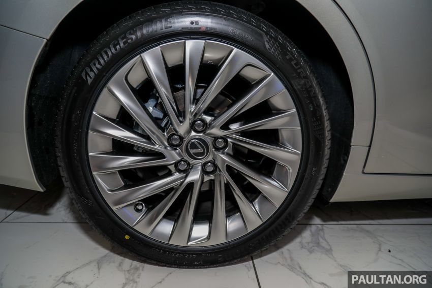 GALLERY: New Lexus ES 250 Luxury – CBU, RM333k Image #980286