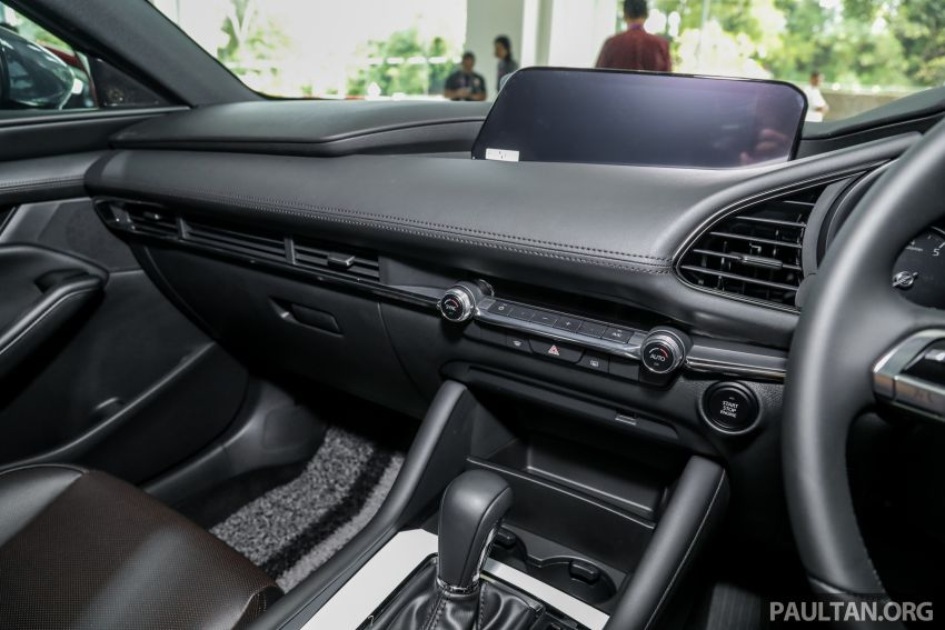 2019 Mazda 3 arrives at Malaysian showroom – 1.5L Sedan, 2.0L Hatchback High Plus; price from RM140k Image #982109