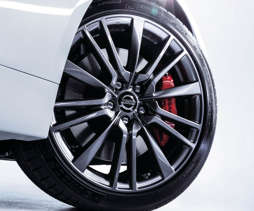 2019 Nissan Skyline facelift debuts in Japan – ProPilot 2.0; GT-R-inspired styling; up to 405 PS twin-turbo V6 Image #986079