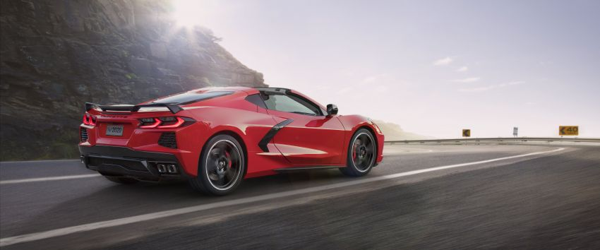 C8 Chevrolet Corvette Stingray goes mid-engined with 495 hp 6.2 litre NA V8, DCT, 0-100 km/h under 3 secs Image #989111