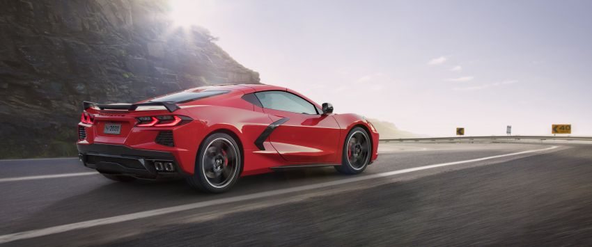 C8 Chevrolet Corvette Stingray goes mid-engined with 495 hp 6.2 litre NA V8, DCT, 0-100 km/h under 3 secs Image #989113