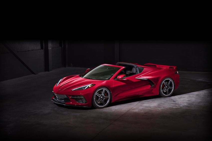 C8 Chevrolet Corvette Stingray goes mid-engined with 495 hp 6.2 litre NA V8, DCT, 0-100 km/h under 3 secs Image #989167