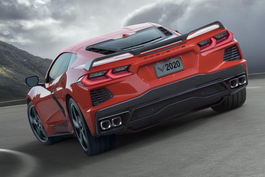 C8 Chevrolet Corvette Stingray goes mid-engined with 495 hp 6.2 litre NA V8, DCT, 0-100 km/h under 3 secs Image #989115