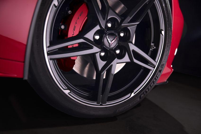 C8 Chevrolet Corvette Stingray goes mid-engined with 495 hp 6.2 litre NA V8, DCT, 0-100 km/h under 3 secs Image #989223