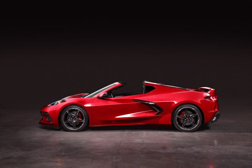 C8 Chevrolet Corvette Stingray goes mid-engined with 495 hp 6.2 litre NA V8, DCT, 0-100 km/h under 3 secs Image #989249