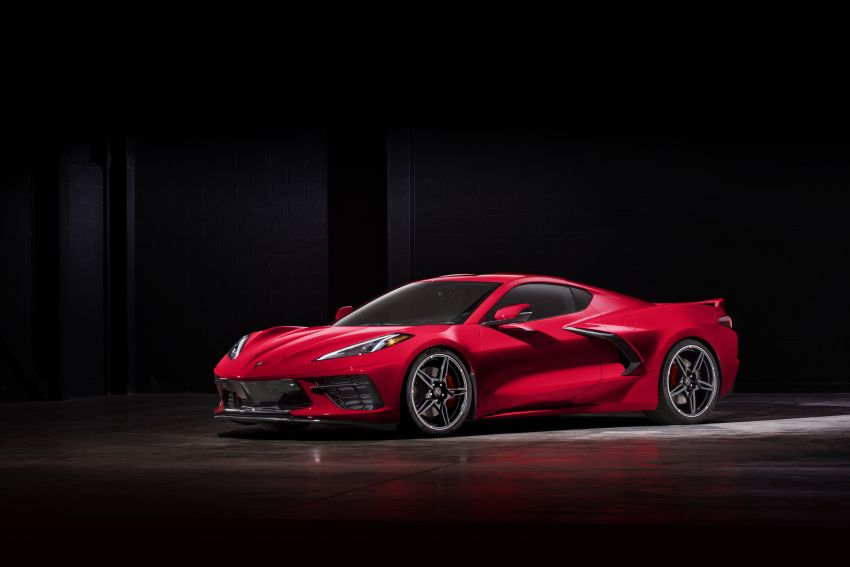 C8 Chevrolet Corvette Stingray goes mid-engined with 495 hp 6.2 litre NA V8, DCT, 0-100 km/h under 3 secs Image #989257