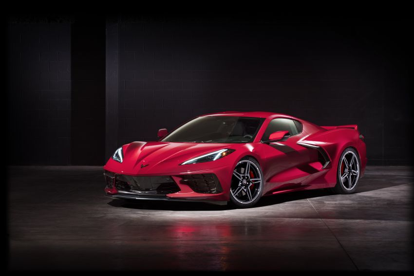 C8 Chevrolet Corvette Stingray goes mid-engined with 495 hp 6.2 litre NA V8, DCT, 0-100 km/h under 3 secs Image #989259