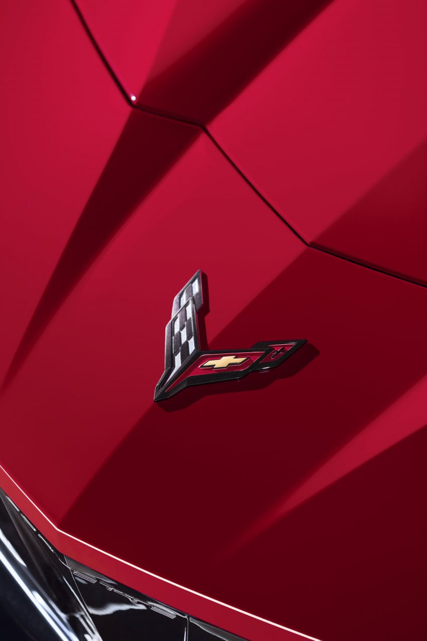 C8 Chevrolet Corvette Stingray goes mid-engined with 495 hp 6.2 litre NA V8, DCT, 0-100 km/h under 3 secs Image #989261
