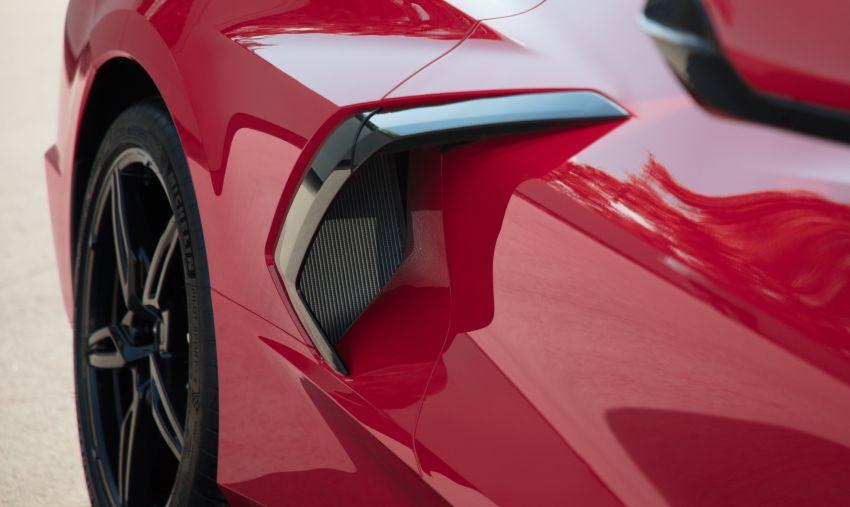 C8 Chevrolet Corvette Stingray goes mid-engined with 495 hp 6.2 litre NA V8, DCT, 0-100 km/h under 3 secs Image #989265