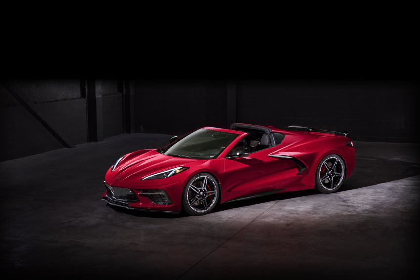C8 Chevrolet Corvette Stingray goes mid-engined with 495 hp 6.2 litre NA V8, DCT, 0-100 km/h under 3 secs Image #989266