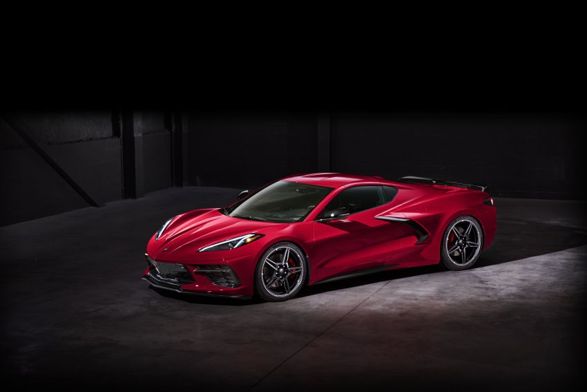 C8 Chevrolet Corvette Stingray goes mid-engined with 495 hp 6.2 litre NA V8, DCT, 0-100 km/h under 3 secs Image #989267