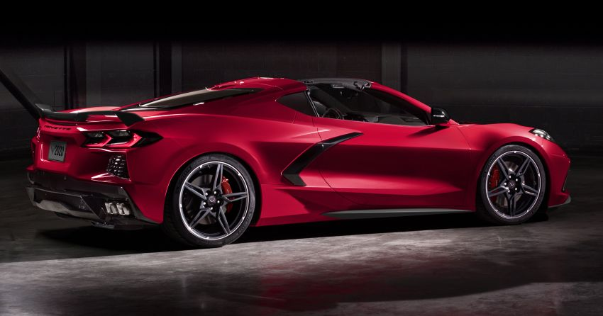 C8 Chevrolet Corvette Stingray goes mid-engined with 495 hp 6.2 litre NA V8, DCT, 0-100 km/h under 3 secs Image #989331