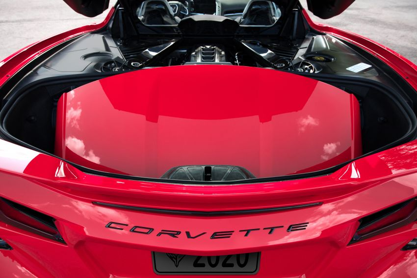 C8 Chevrolet Corvette Stingray goes mid-engined with 495 hp 6.2 litre NA V8, DCT, 0-100 km/h under 3 secs Image #989271