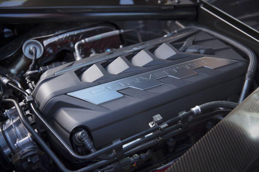 C8 Chevrolet Corvette Stingray goes mid-engined with 495 hp 6.2 litre NA V8, DCT, 0-100 km/h under 3 secs Image #989273