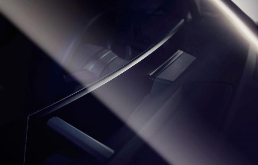 BMW iNEXT – flat-bottomed steering wheel revealed Image #990923